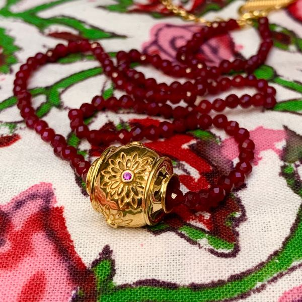 MOTEE (Collier fin rouge...